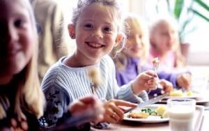 παιδια-σχολειο-φαγητο